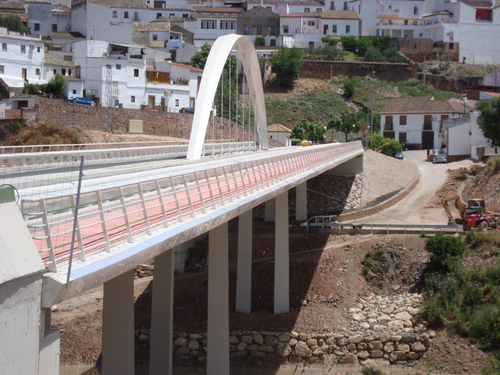 Puente Montoro - Iluminacion con tubos de policarbonato