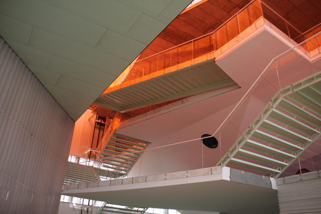 Barandillas y escaleras en metacrilato polimertecnic - Barandillas de escaleras ...