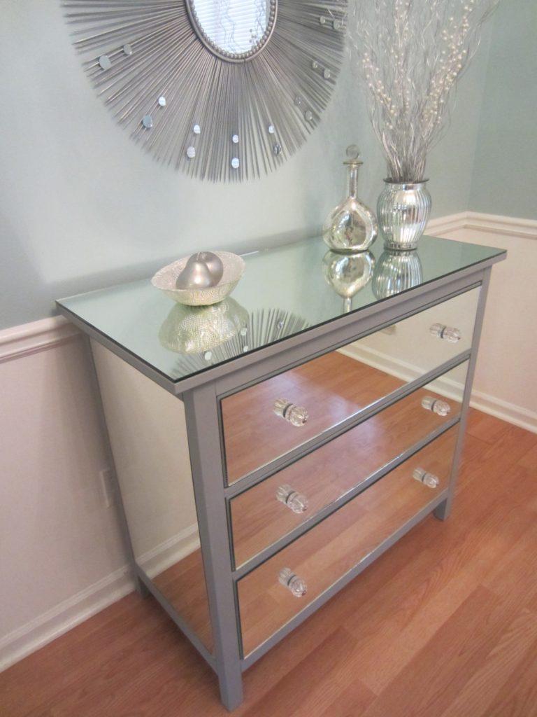 Mueble forrado con metacrilato espejo