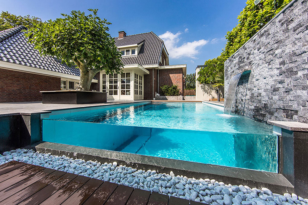 Aquatic-Backyard-Netherlands-Pool-Glass-End