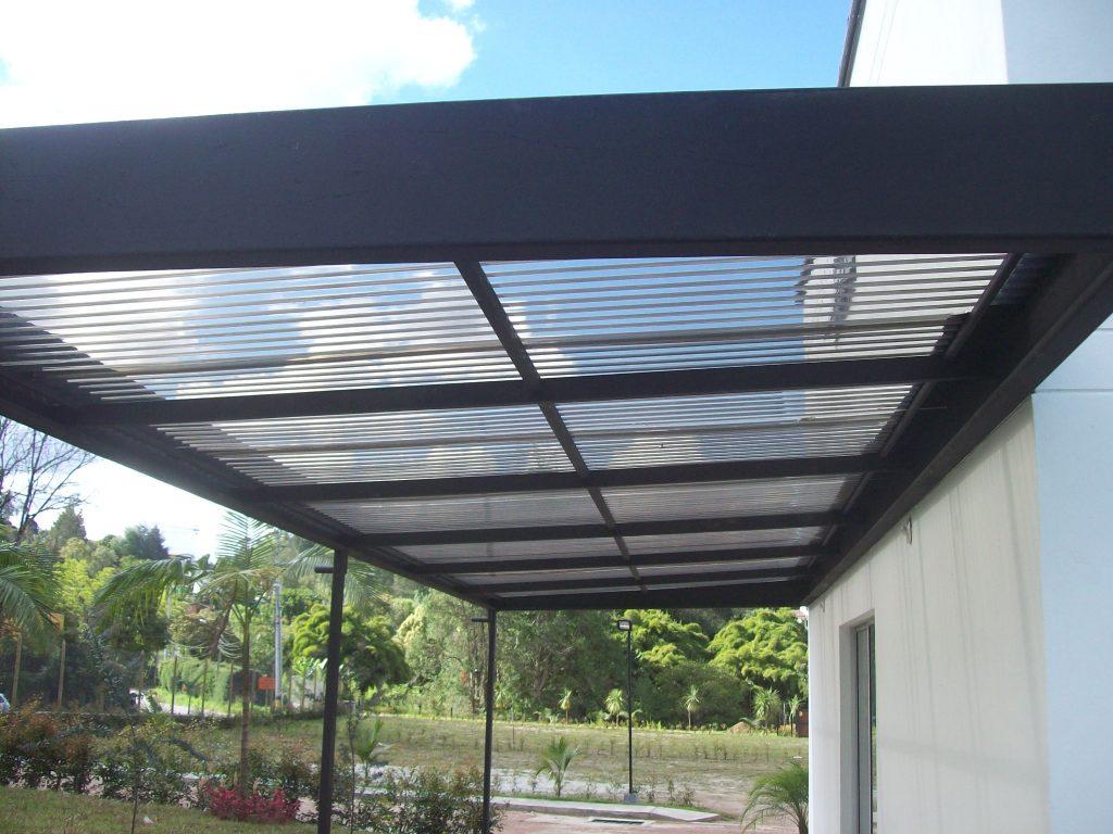 Techos de policarbonato for Modelos de yeso para techos